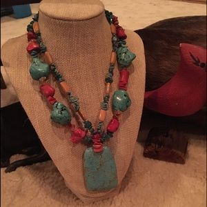 Jewelry - Faux Turquoise necklace w drop